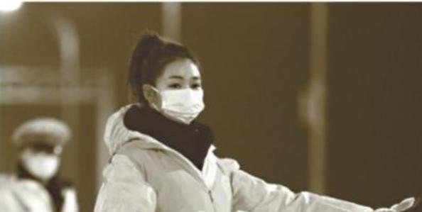 她是司机、搬运工、检测员、播音员……最美教师成武汉战疫全能志愿者