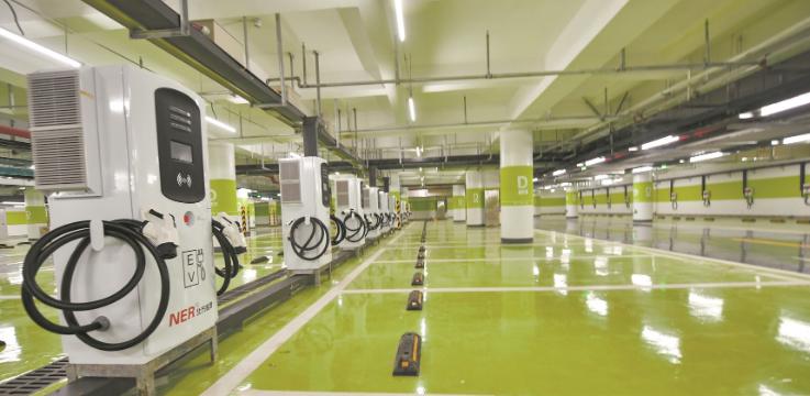 东湖梨园广场综合体昨试运营 新增617个地下停车位