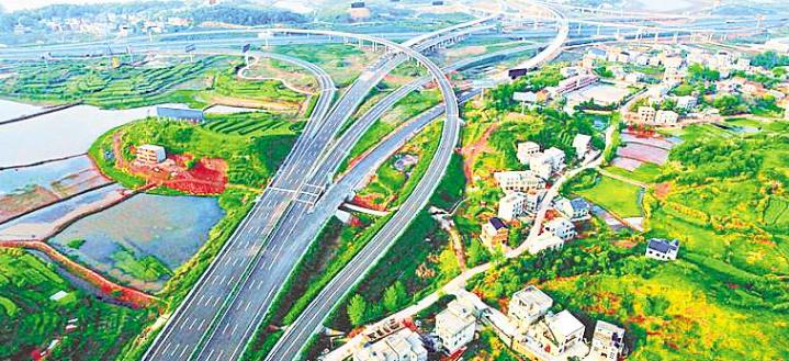 从楚天第一路到县县通高速 武黄高速翻开交通新篇章