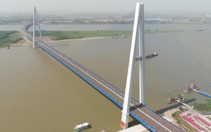 武汉桥十一郎刷新多项世界纪录 青山长江大桥迎通车